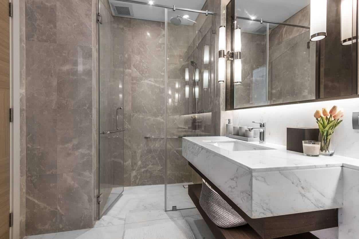 salle de bain carrelage marbre
